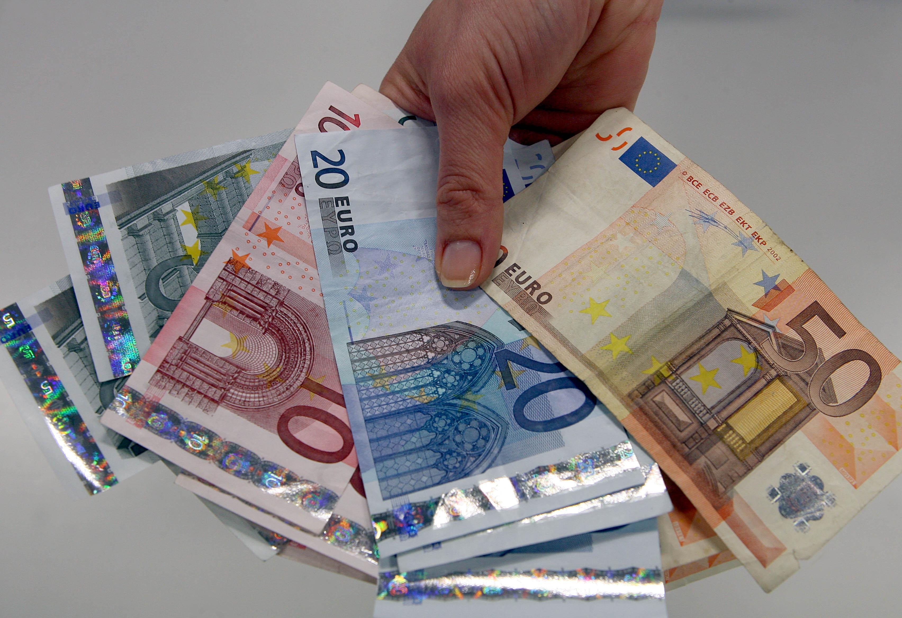 Poder de compra em Portugal sobe para 76,8% da média da UE em 2018 - INE