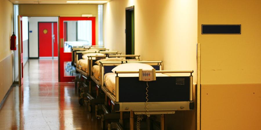 Pobres são quem mais espera por consultas e tratamentos no SNS