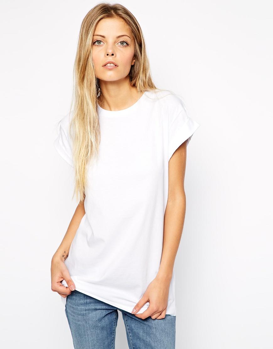 Como vestir bem e barato sapo lifestyle for Model white t shirt