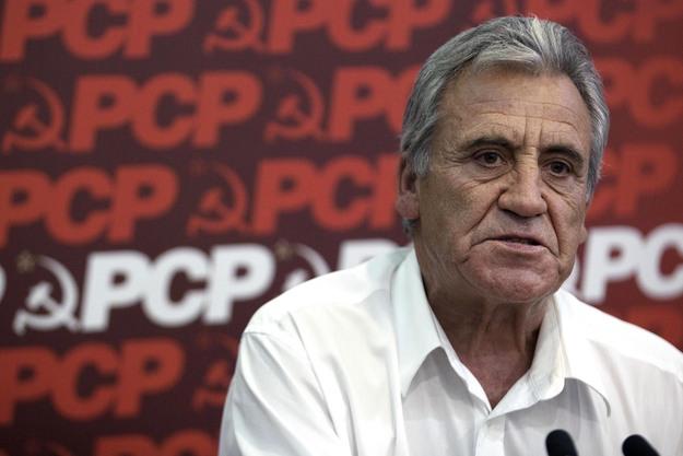 """Jerónimo de Sousa defendeu uma """"rutura"""" com a política em curso, para que possa haver """"desenvolvimento sustentado"""" na Europa"""