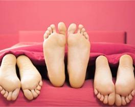 Como explorar os pés durante o sexo