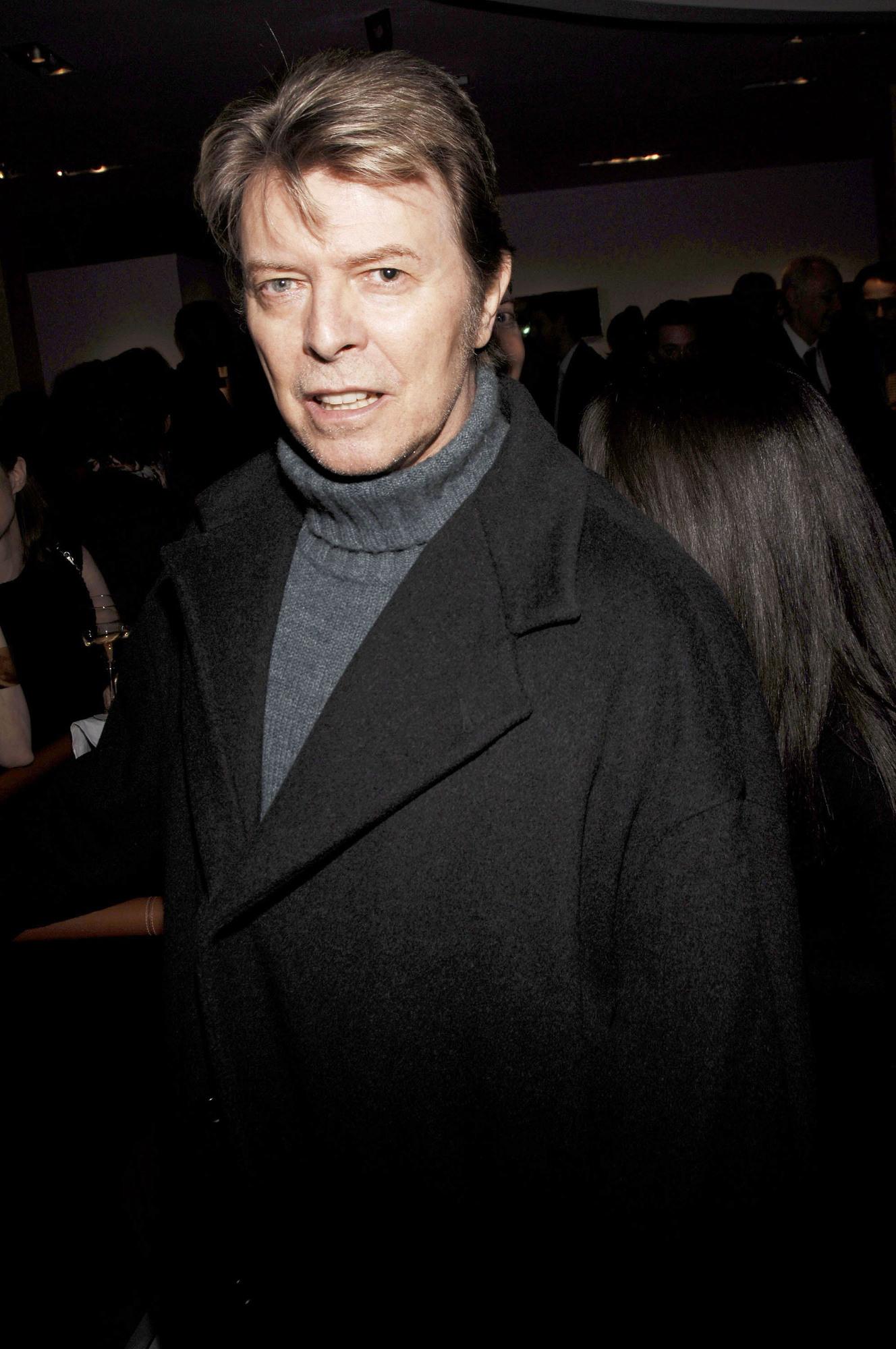 Há um álbum inédito de David Bowie e vai ser editado em breve
