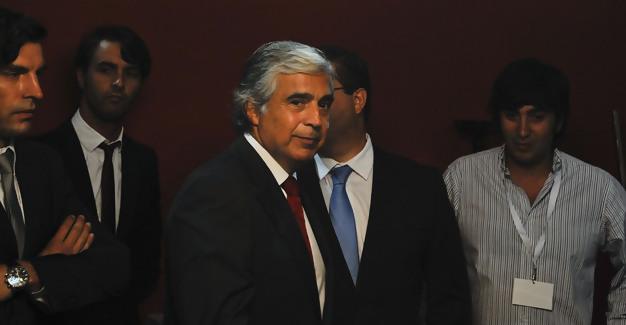 Ministro da Defesa, Aguiar Branco, visita a capital do móvel