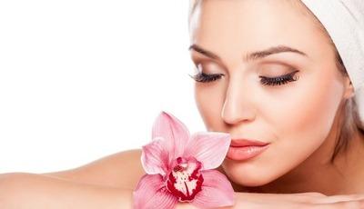 6 conselhos que cuidam da pele e (ainda) fazem poupar dinheiro