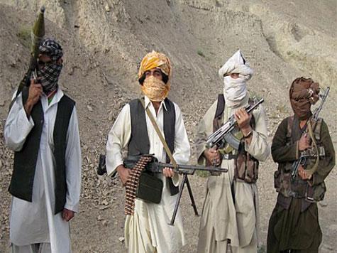 Pelo menos 26 polícias e soldados mortos em vários ataques de talibãs