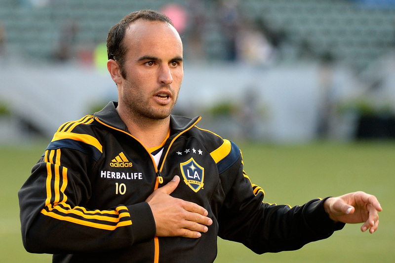 """Donovan pendura as chuteiras: """"Já nem consigo correr atrás o meu filho"""""""