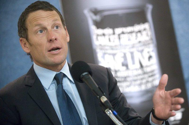 Lance Armstrong vai a julgamento em novembro