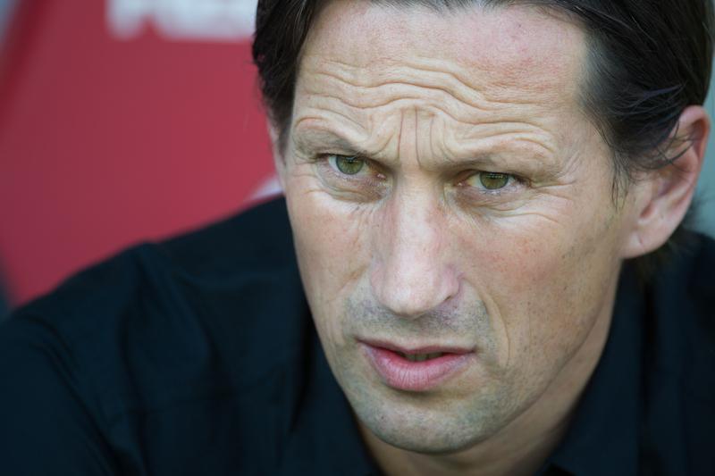 Treinador do Leverkusen suspenso por insultar colega