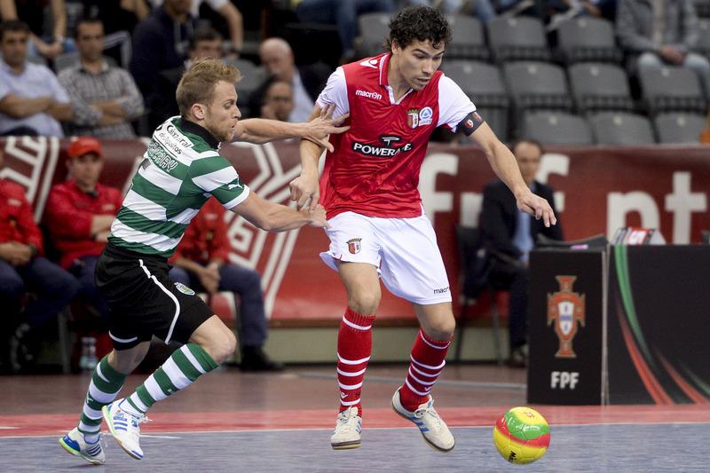 Sporting goleia SC Braga e fica a um triunfo do título de futsal